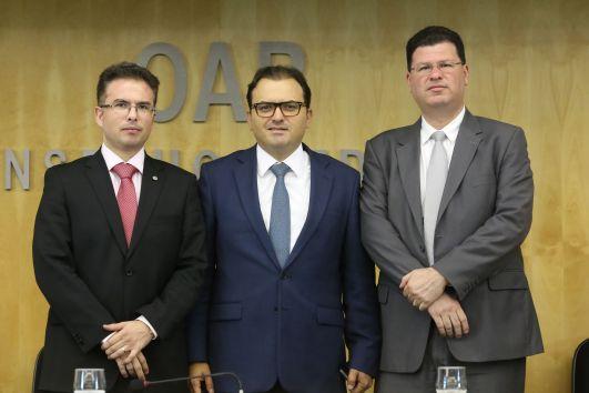 Professor da Universidade Católica de Brasília Conselheiro Federal da Ordem  dos Advogados do Brasil e102db3e36